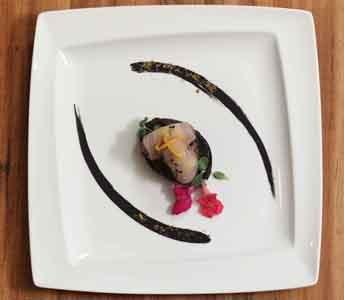 Ricette grandi chef pesce spada su gremolata di cipolla for Ricette alta cucina