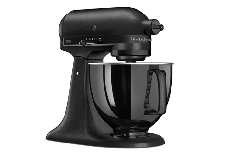 Il nuovo Robot da Cucina Artisan Black Tie di KitchenAid ...